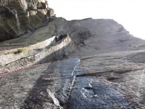 In arrampicata libera sul difficile diedro centrale