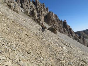 Traverso su ghiaione Ferrata degli alpini